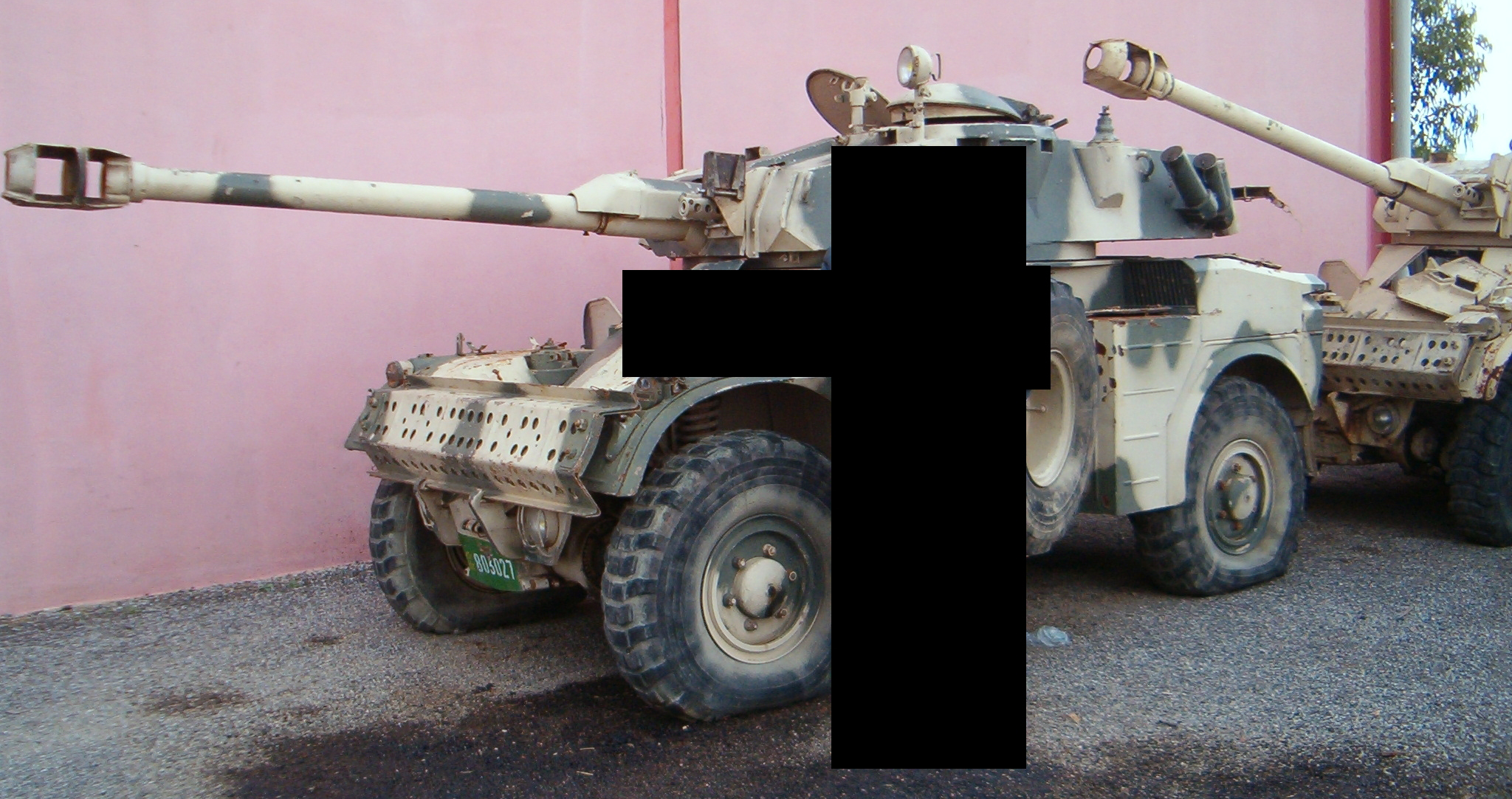Panhrad AML-90 et Eland-90 Mk6 161007084952856300