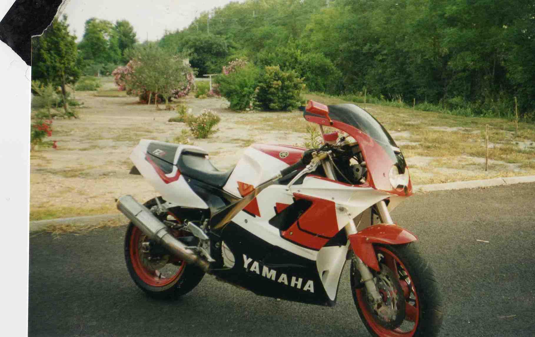 Yamaha FZR - Page 2 161011013459155663