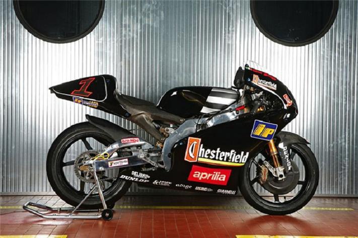 250 RSV N°1. Chesterfield Aprilia Team, Max BIAGGI, saison 1995. 1er, 283 Pts. 01
