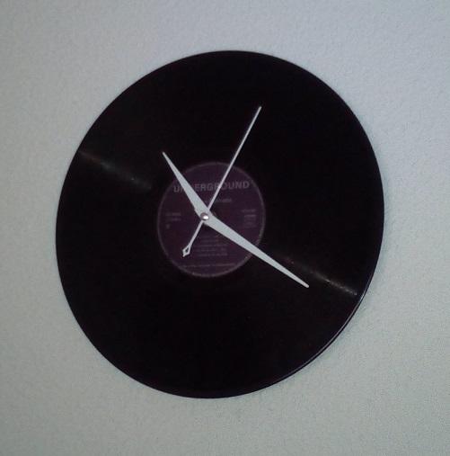horloge vinyle. Black Bedroom Furniture Sets. Home Design Ideas