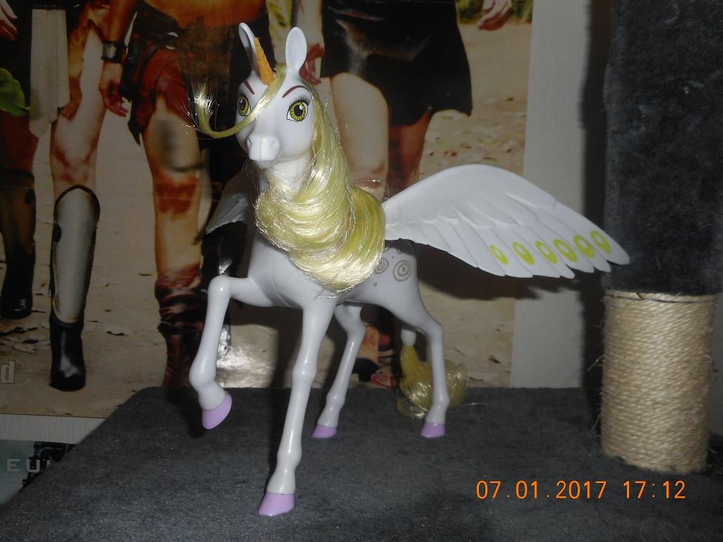 Mes poupées et Licorne Mia Et Moi 17010812085493002