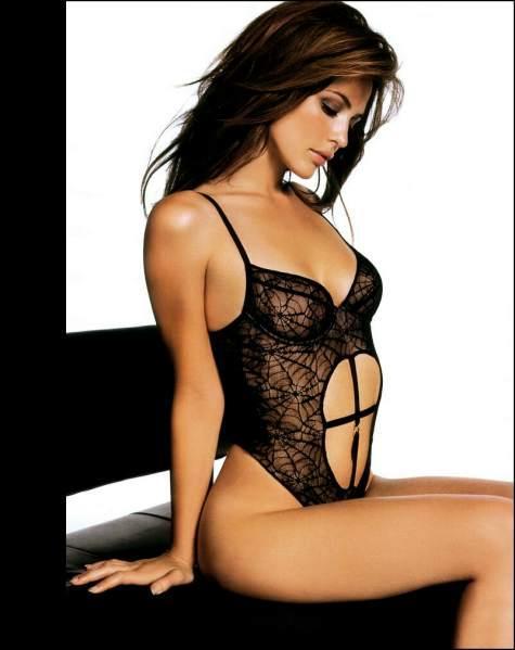 IMAGES femme dessous sexy noirs