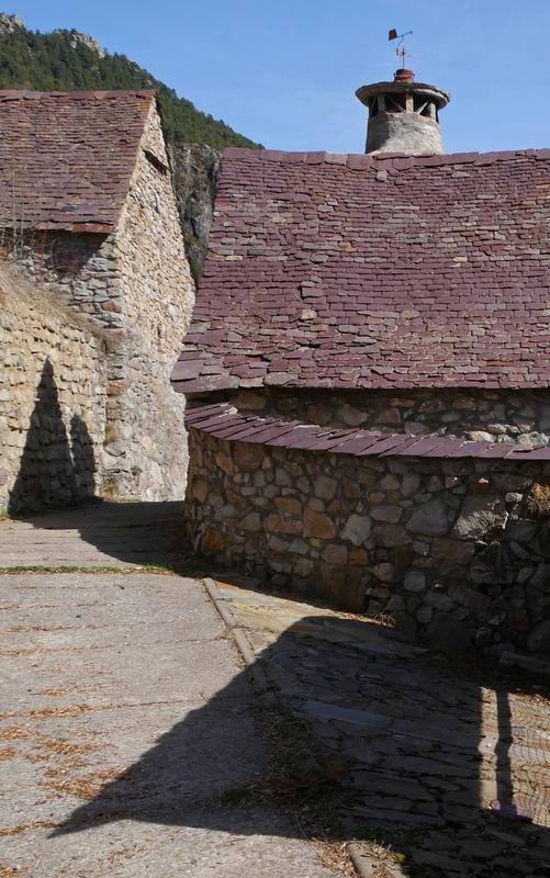 \/\/ Vieux Village Aragonais … By Tecnicolor  \/\/ 170310094353850701