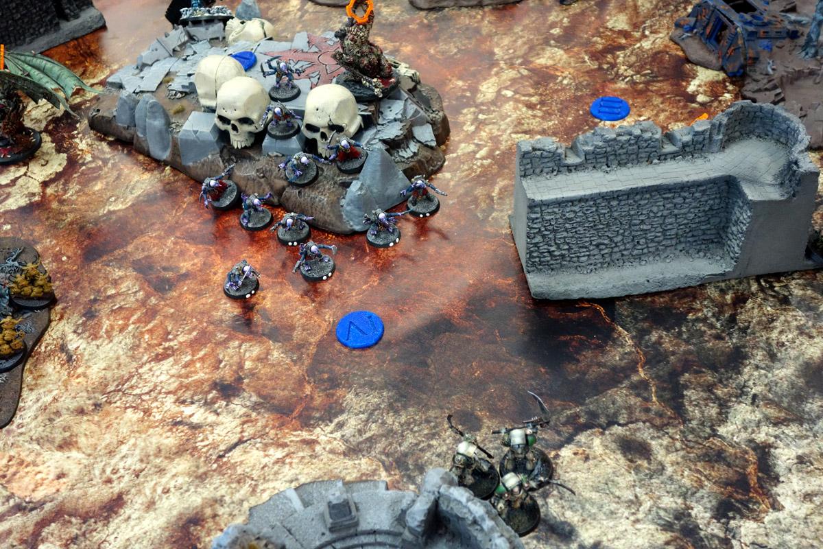Pair of Aces - Partie 2/4 - Démons/Genestealers vs. White Scars/Death Guard 170401110711345593