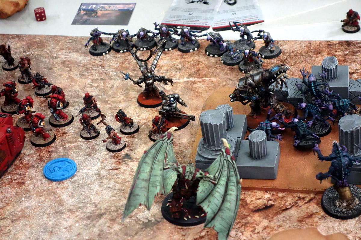 Pair of Aces - Partie 3/4 - Démons/Genestealers vs. Word Bearers/Iron Warriors 17040311285926903