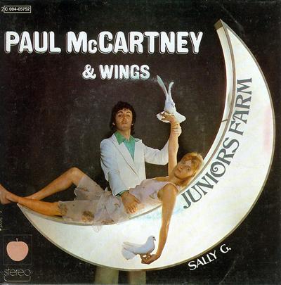 paul-mccartney-and-wings-juniors-farm-1974-13