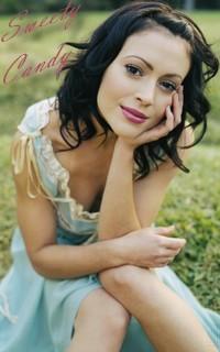 Alyssa Milano avatars 200x320 pixels - Page 2 17060206320112589