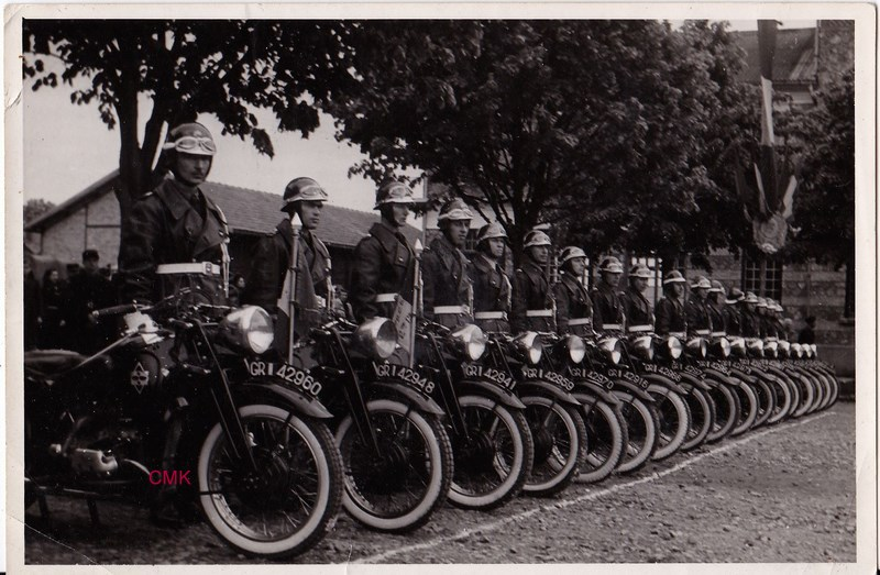 10.1948 escorte motards du 1er GBGR de Satory [800x600]