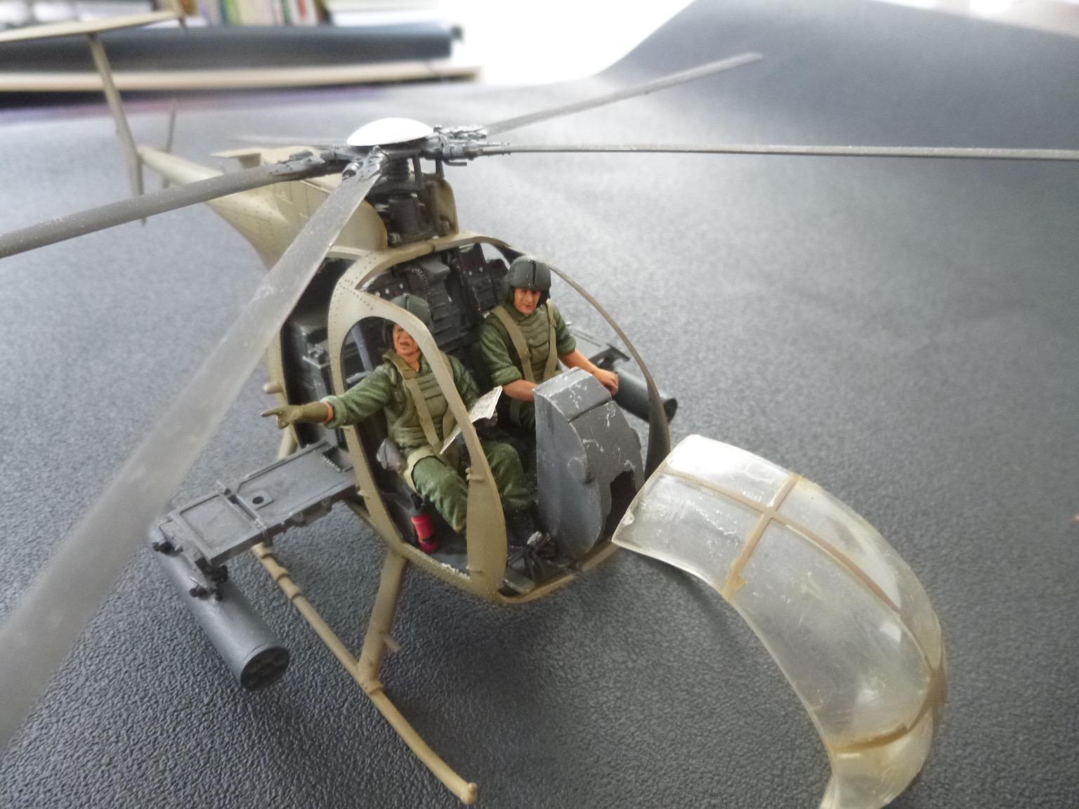 Hélicoptère AH6 little bird + équipage  Dragon 1/35 - Page 2 170709102154656338