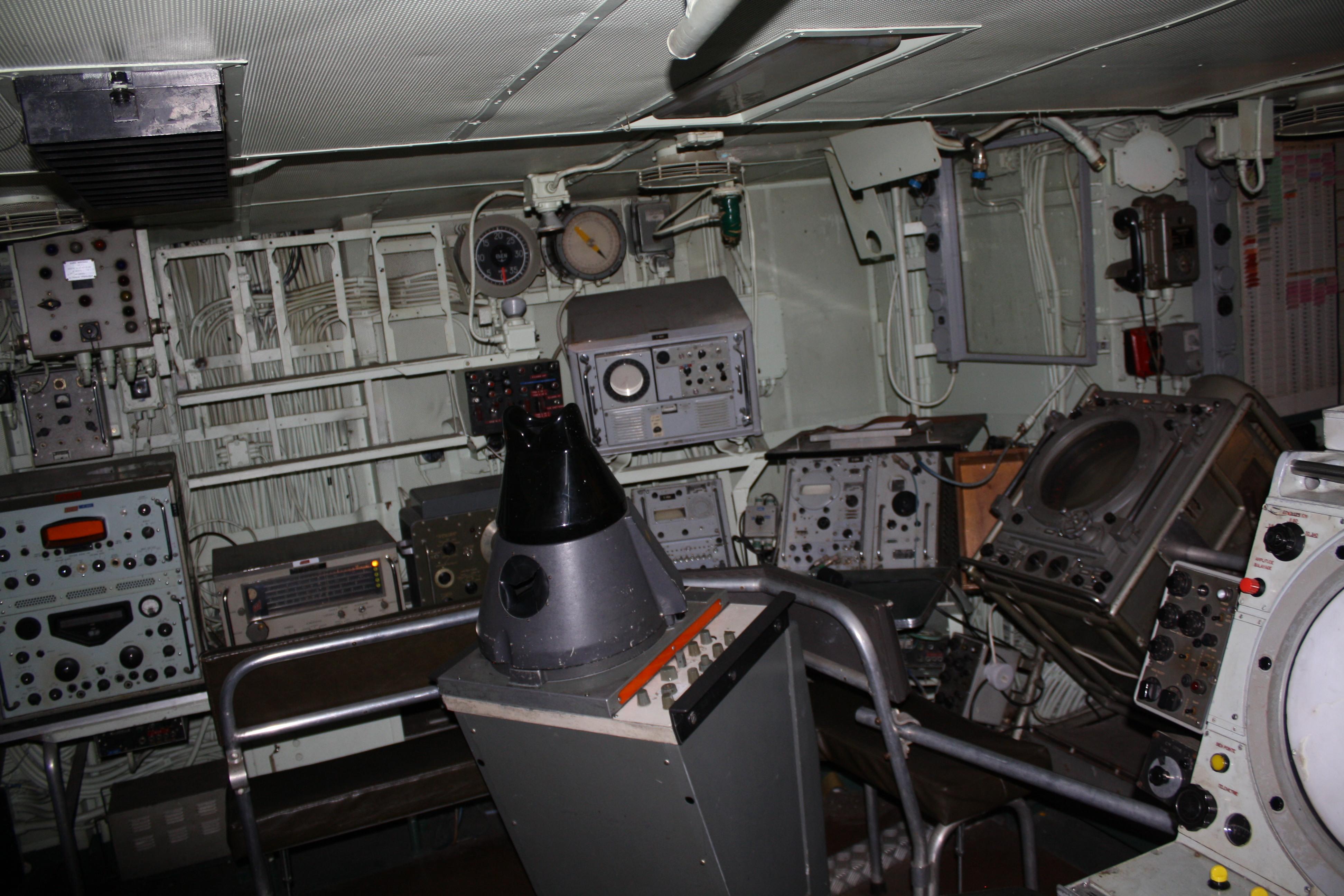 Le MAILLE-BREZE (ex escorteur d'escadre devenu Musée) - Page 2 170712065403365685
