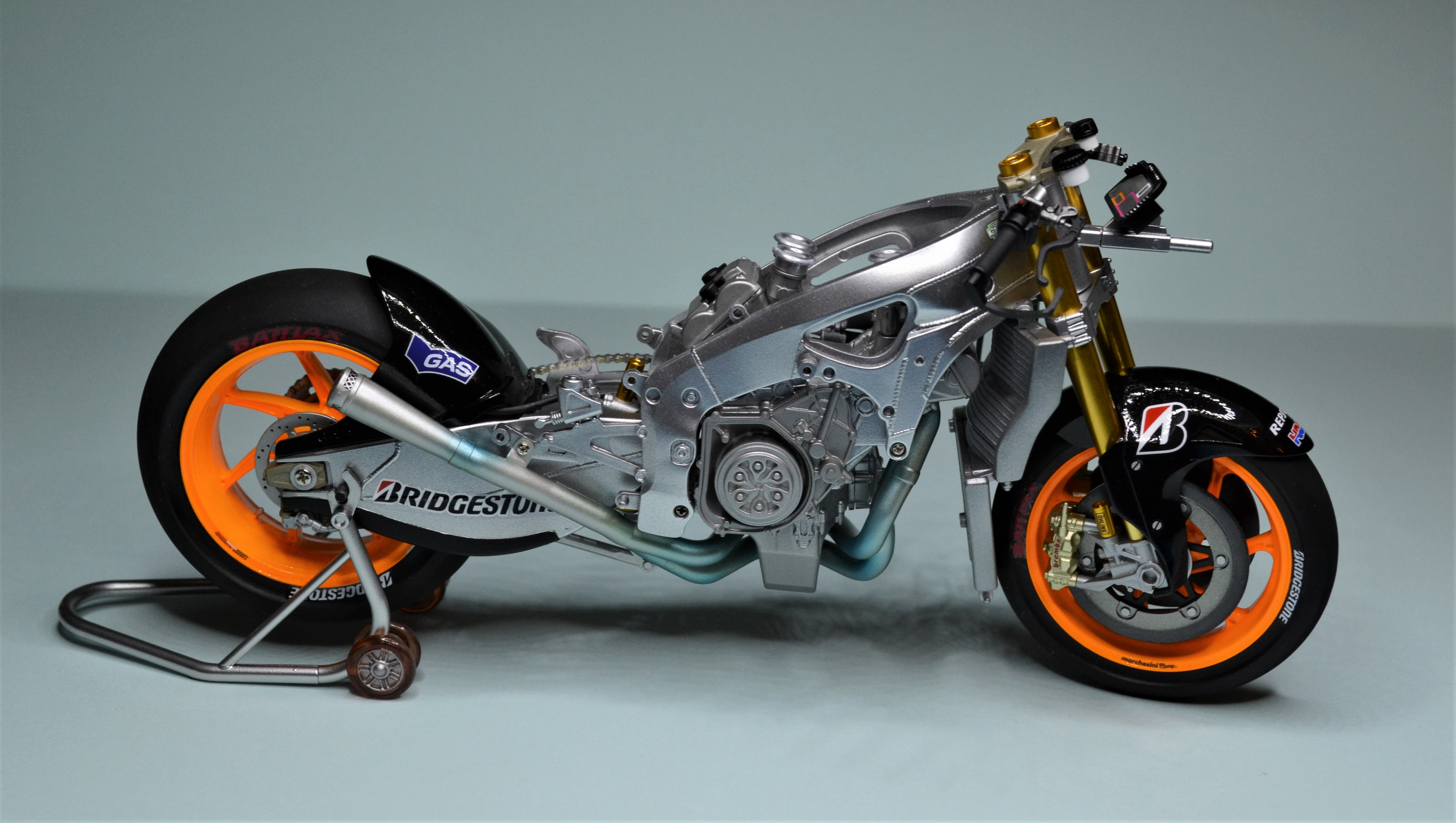 Honda Repsol Marc Marquez 1/12  - Page 2 170723090943402401