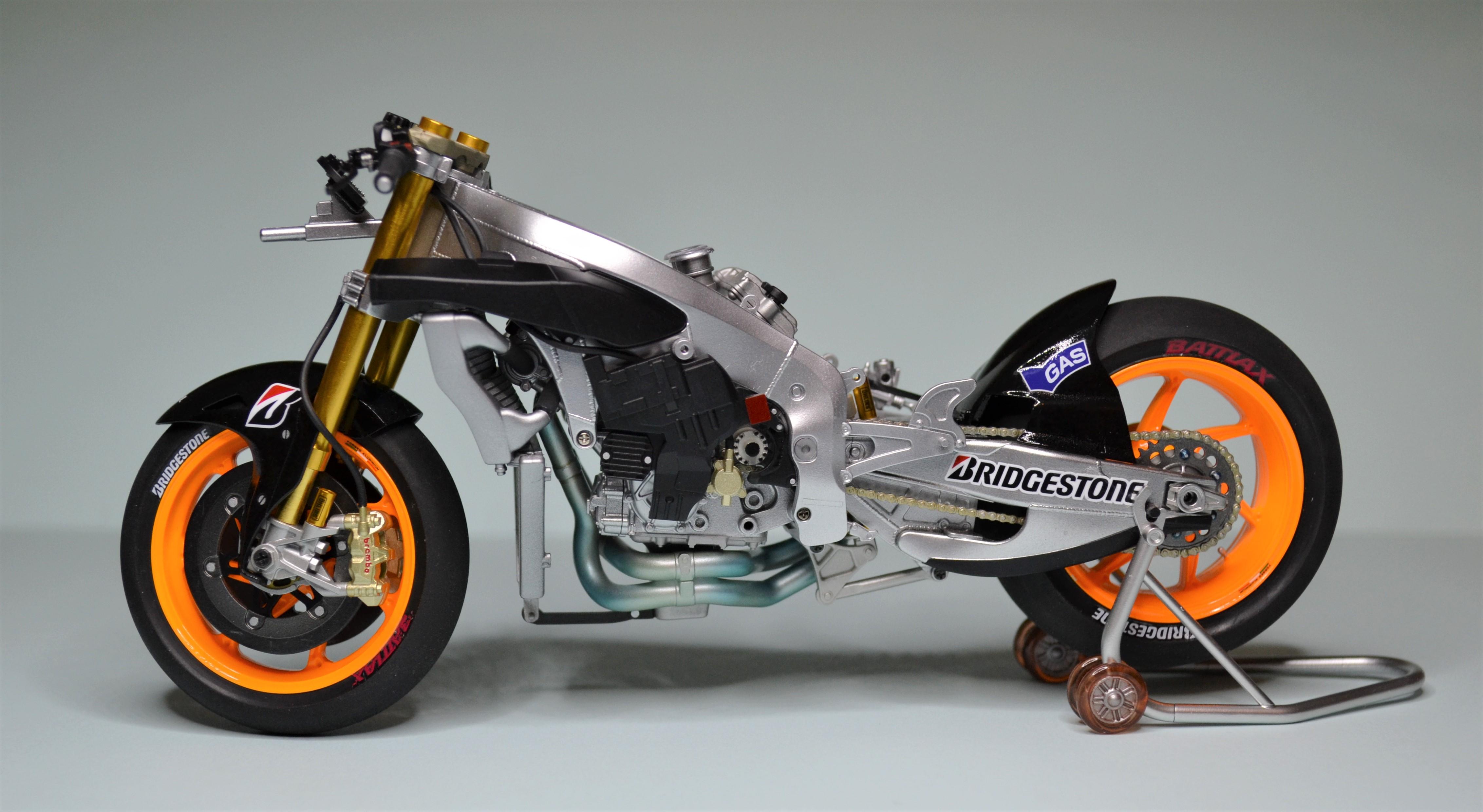 Honda Repsol Marc Marquez 1/12  - Page 2 170724101543212082