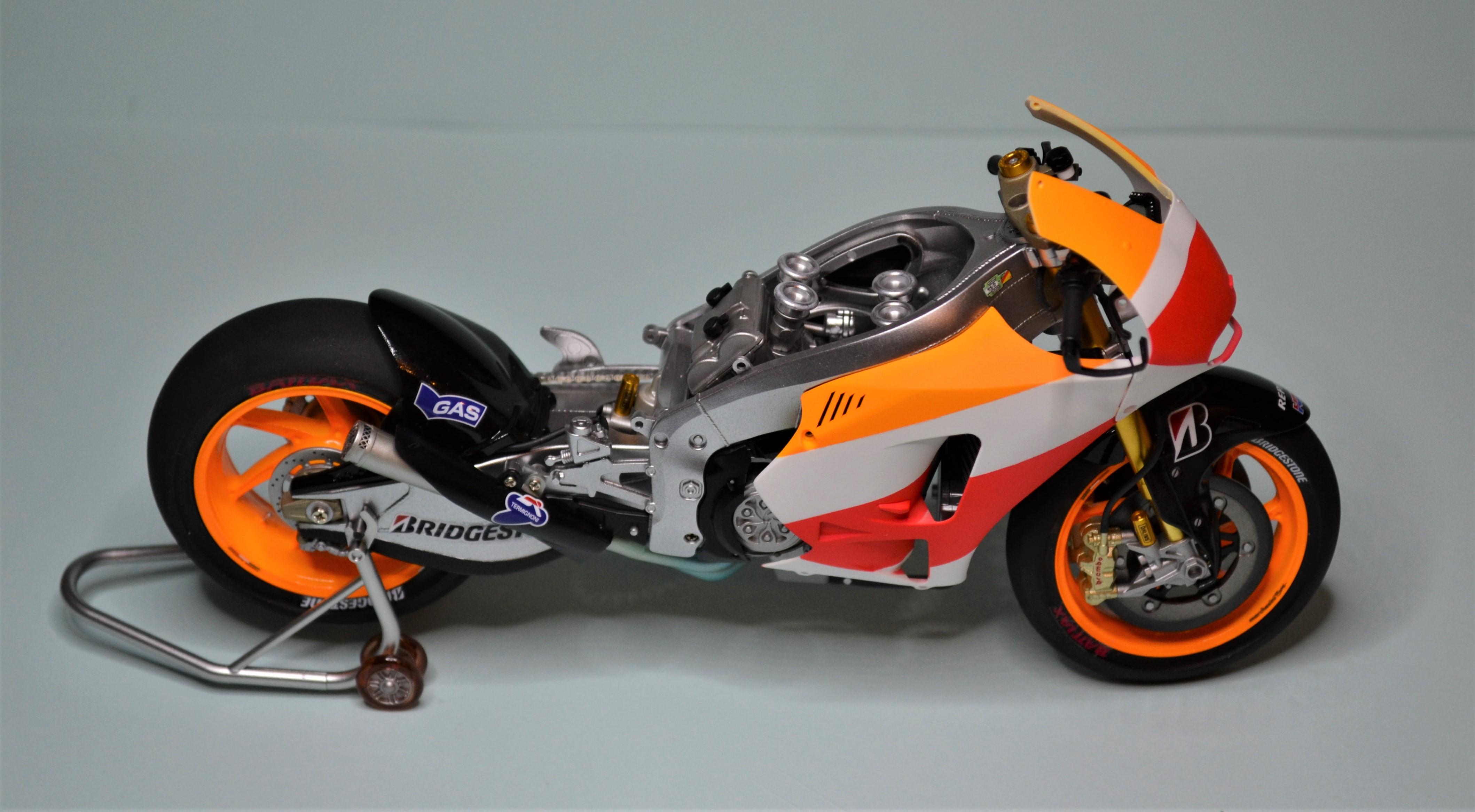 Honda Repsol Marc Marquez 1/12  - Page 2 170725091353422970