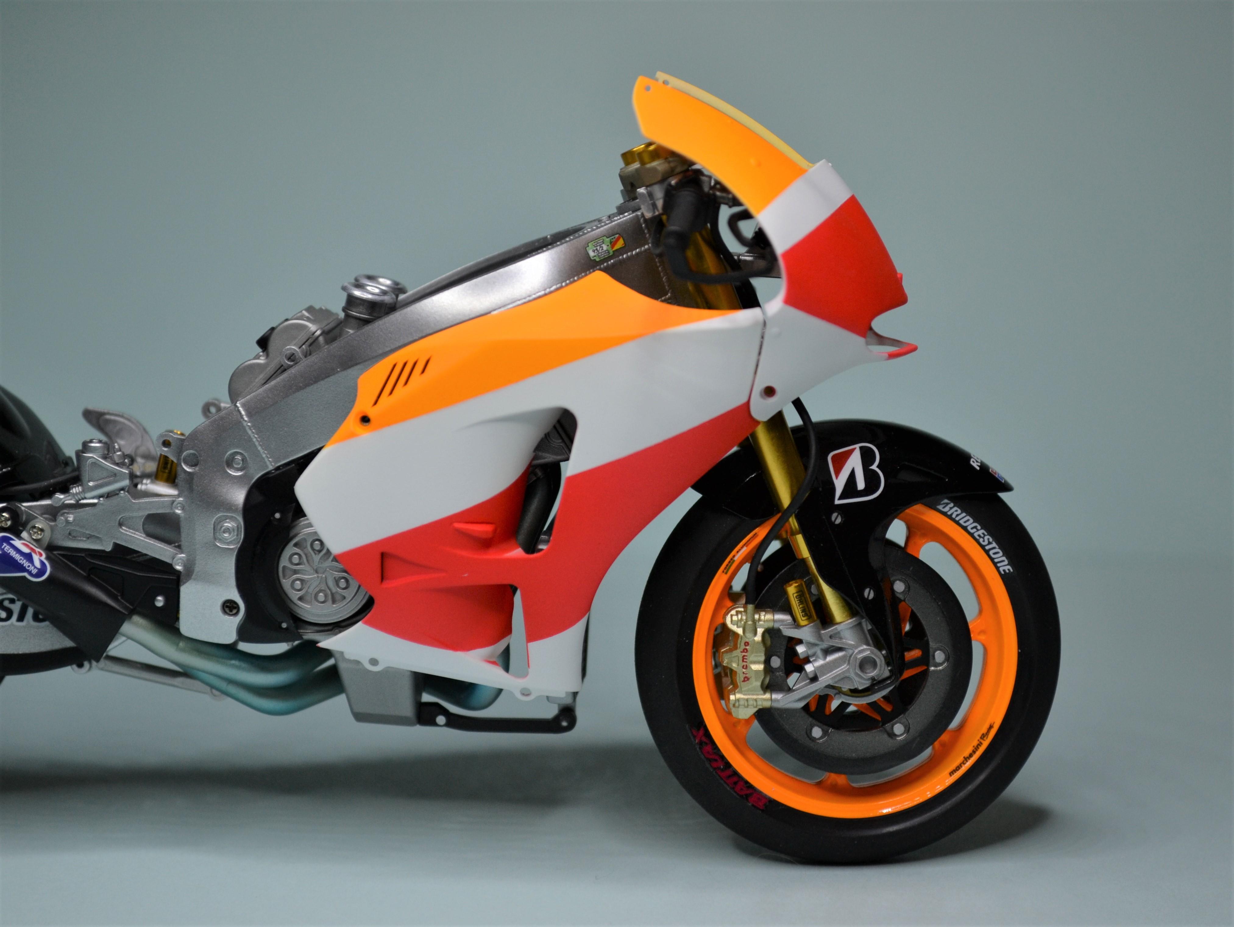 Honda Repsol Marc Marquez 1/12  - Page 2 170725091354534874