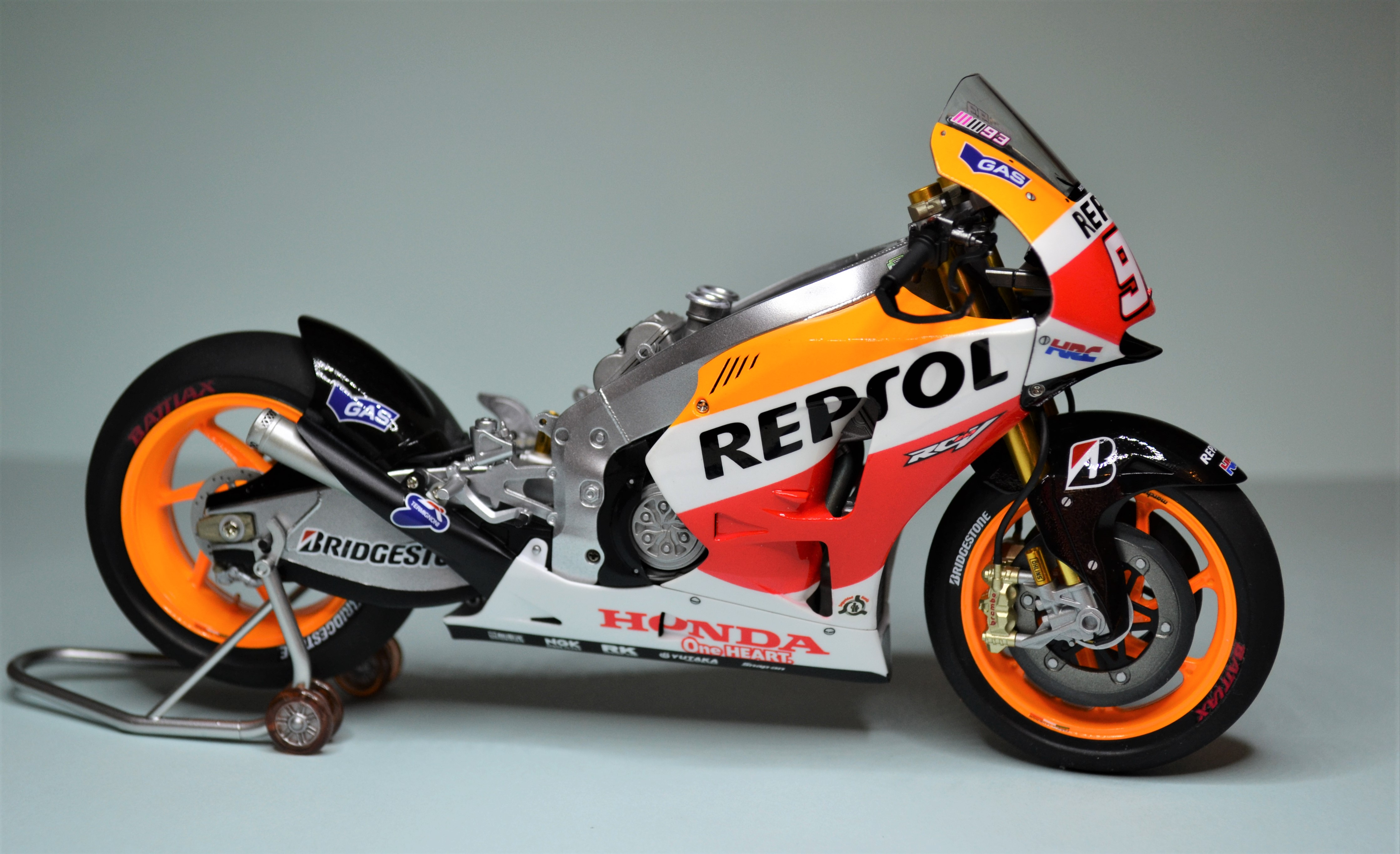 Honda Repsol Marc Marquez 1/12  - Page 2 170729030624287429