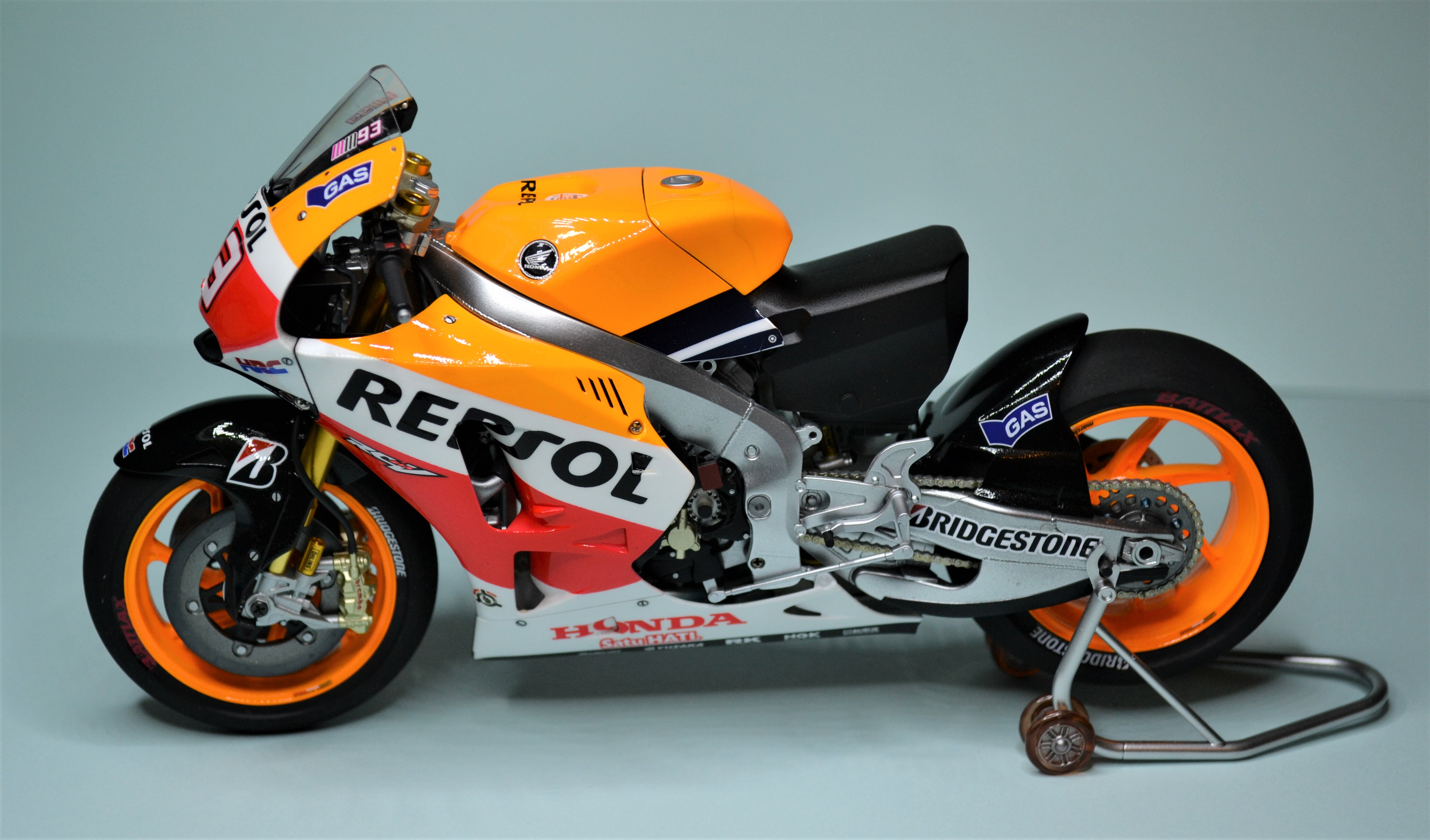 Honda Repsol Marc Marquez 1/12  - Page 2 170729030626358849