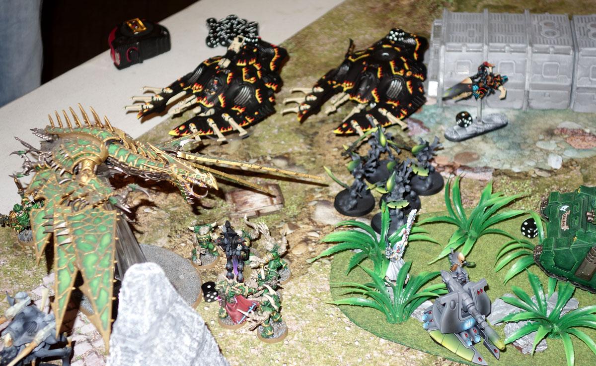 Space Marines du Chaos Vs. Eldars 170820095637757883